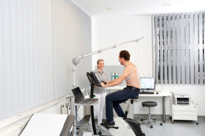 Herz-Kreislauf-Erkrankungen - Köln-Bayenthal - Diekmann - Untersuchung in der Praxis