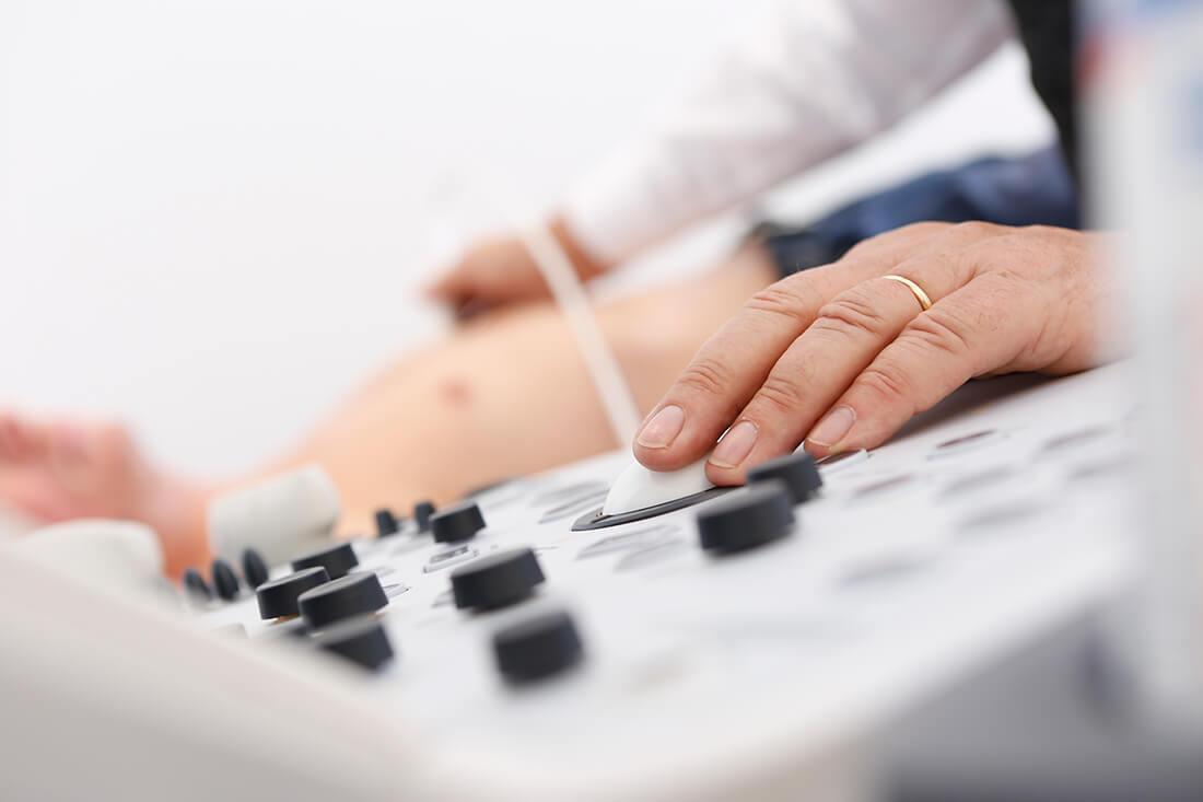Herz-Kreislauf-Erkrankungen - Köln-Bayenthal - Diekmann - Leistungen - Ultraschall in unserer Praxis